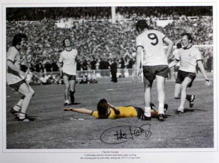 Charlie_George_Signed_Arsenal_Photo_1971_FA_Cup_big