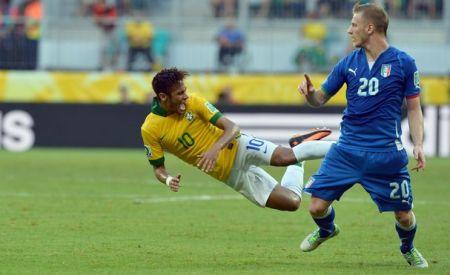 3549689408_neymar dive full