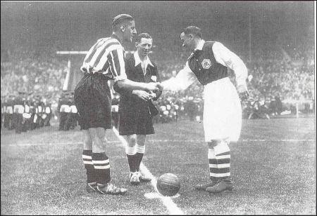 1936finalkickoff