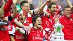 arsenal-celeb-with-cup